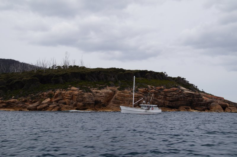Riedele Bay - our anchorage for lunch