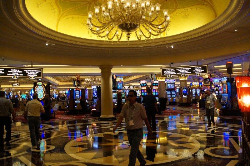 Venetian Poker Machines