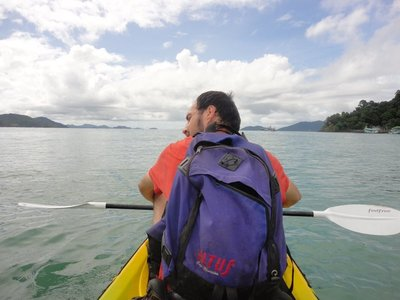 We get free kayak <img class='img' src='http://www.travellerspoint.com/Emoticons/icon_smile.gif' width='15' height='15' alt=':)' title='' />