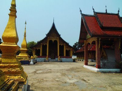 Back to see temples in Luam Prabang <img class='img' src='http://www.travellerspoint.com/img/emoticons/icon_smile.gif' width='15' height='15' alt=':)' title='' />