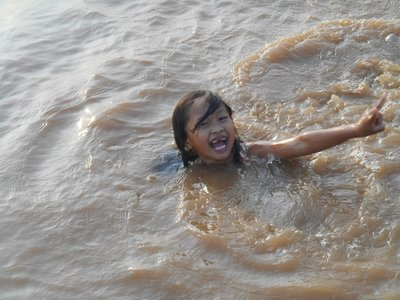 Pelikha, Sokhas daughter, playing in the water