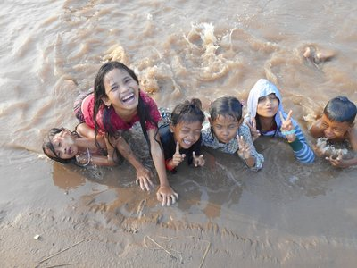 Day trip and playing in the Mekong