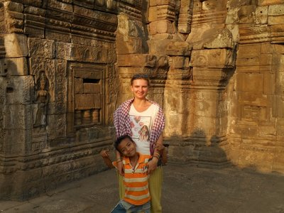 Visiting temples in Kampong Cham
