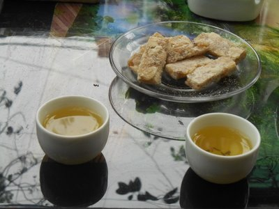 Vietnamese tea and local sweets
