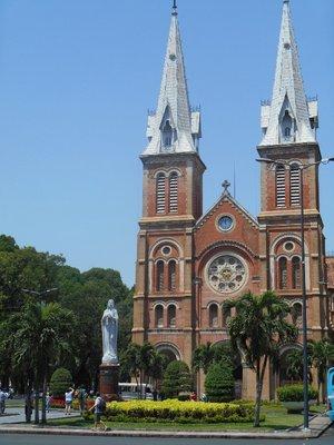 Notre Dame , Saigon