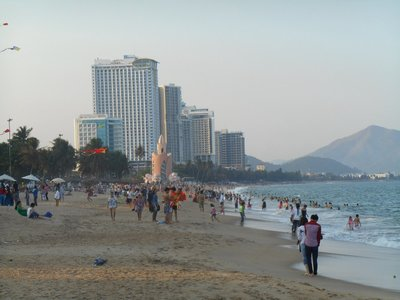 Nah Trang, a typical resort crowded with tourists