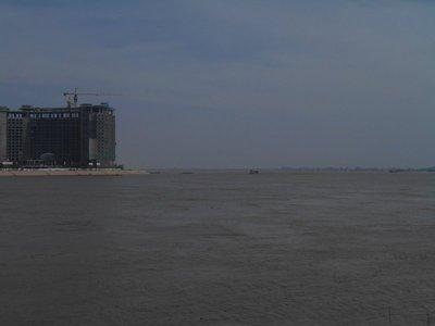 Phomn Penh is a river city