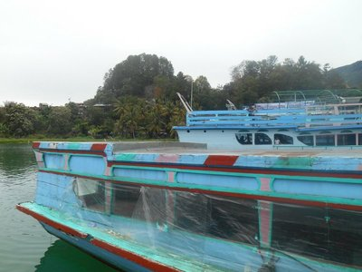 Our boat to Silimalombu
