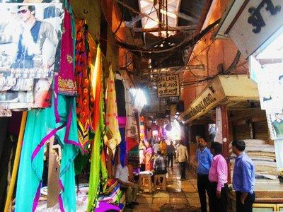Manileka Fabric Market