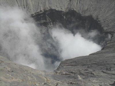 Bromo, crater