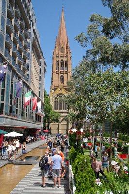 Vue sur la Cathédrale Saint-Paul à Melbourne