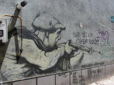 Graffiti sur un mur de Sarajevo