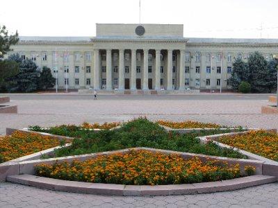 """Bichkek et ses """"monuments""""..."""