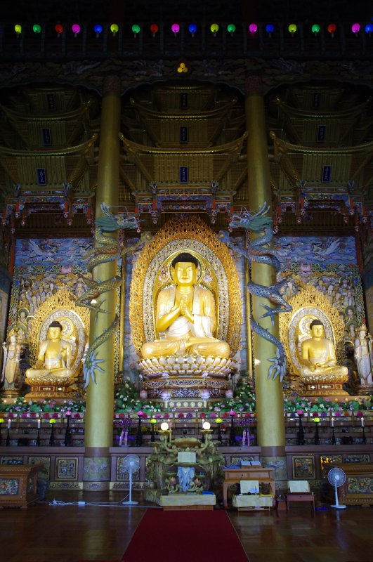 Temple bouddhiste Yakcheonsa