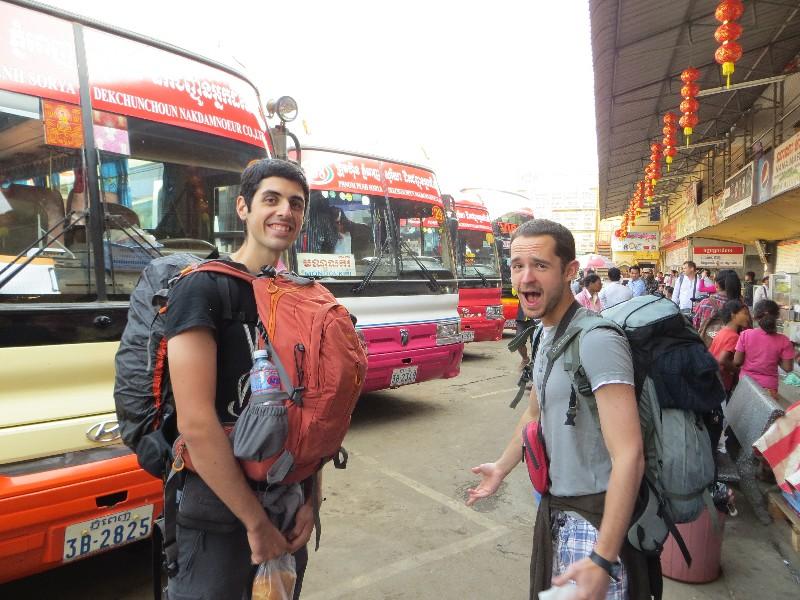 Bus pour la frontière avec le Vietnam