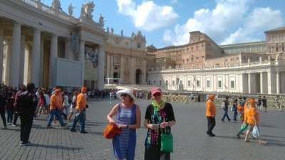 St_Peter_s_Square.jpg