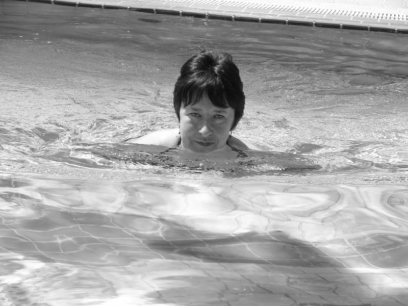 swimming in the pool in Lake Garda