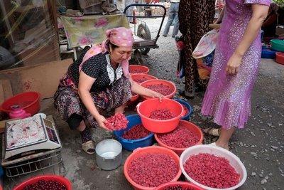 Fresh raspberries, Osh Bazaar