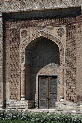 Uzgen Mausoleum