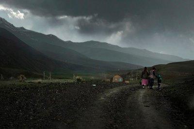 Kalmak Ashu Pass on the way to Song Kul Lake (3500 meters)