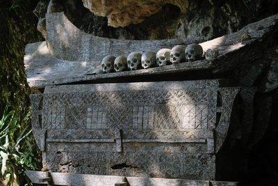 Hanging grave, Kete Kesu village