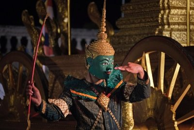 Traditional dance performance at Wat Mai temple