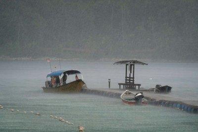 Sudden downpour, Perhentian Besar