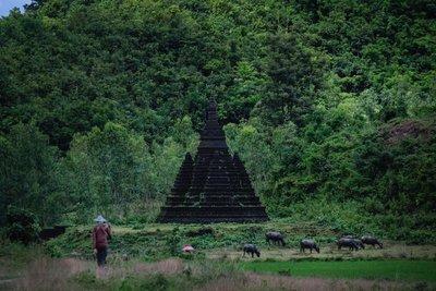 Pagoda near Mrauk-U