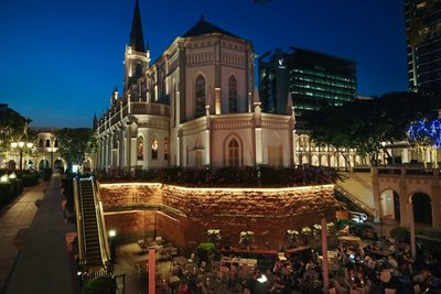 Chijmes, trendy restos and bars in a former convent
