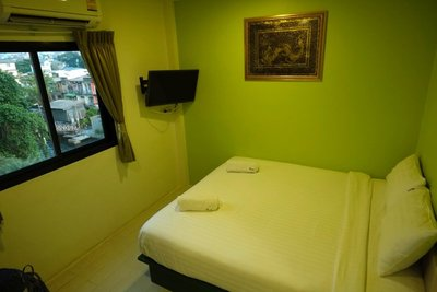 The Seven Luck, Rent a Room, Bangkok