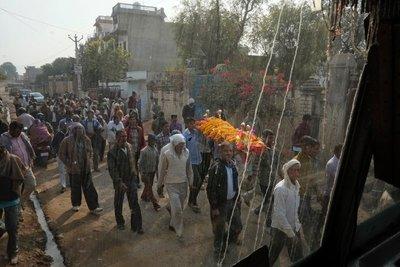 Funeral procession, Nawalgarh, Shekhawati region, Rajasthan