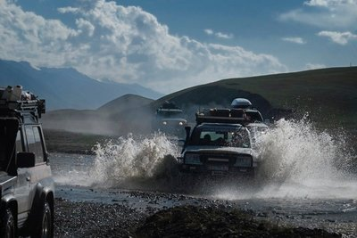 River crossing Off-Road Kings Expedition 2015