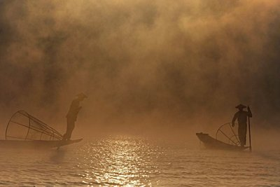 Fishermen and early morning mist, Lake Inle