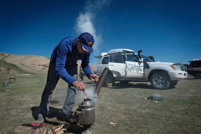 Heating water in the Samovar, Off-Road Kings Expedition 2015
