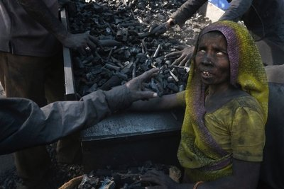 Coal workers, Ahmedabad, Gujarat