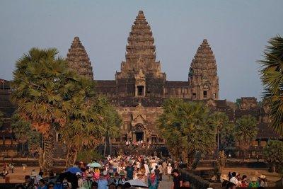 Angkor_vat_6486.jpg