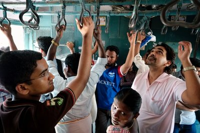 Mumbai_Trains_037.jpg