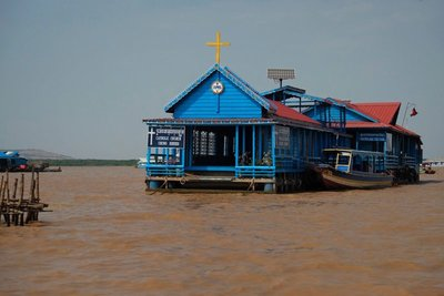 Church on Lake Tonlé Sap