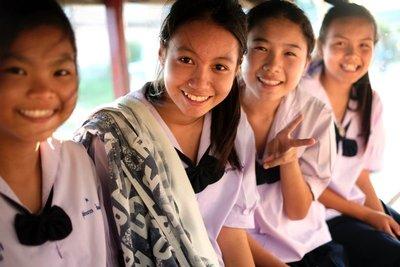 Schoolgirls, Sukkothai, Thailand