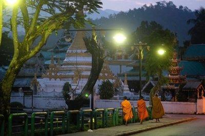 Sunrise, Wat Chong Klang, Mae Hong Son, Thailand