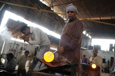 Glass blowing, Firozabad, Uttar Pradesh