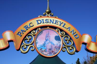 Disneyland Paris Sign