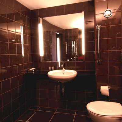 Hoxton Hotel Washroom