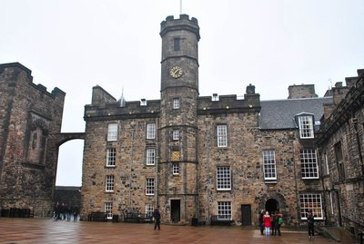Edinburgh castle crown jewels building.