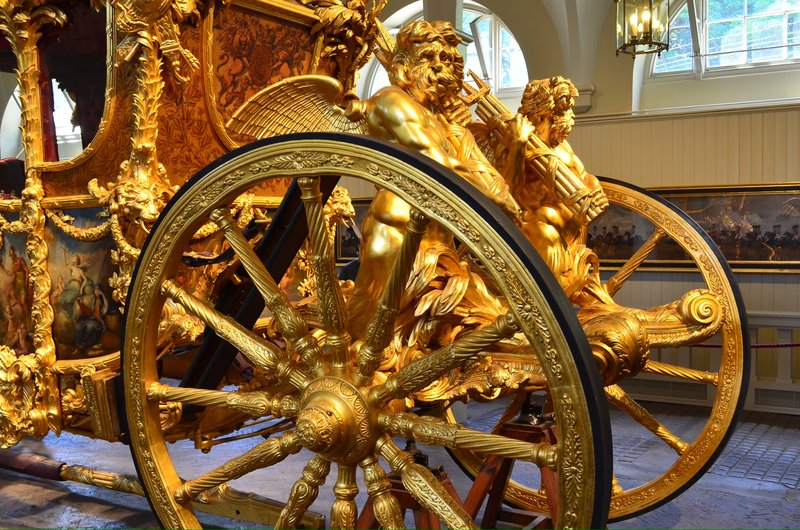 The queen's coronation carriage 1953. Detail.
