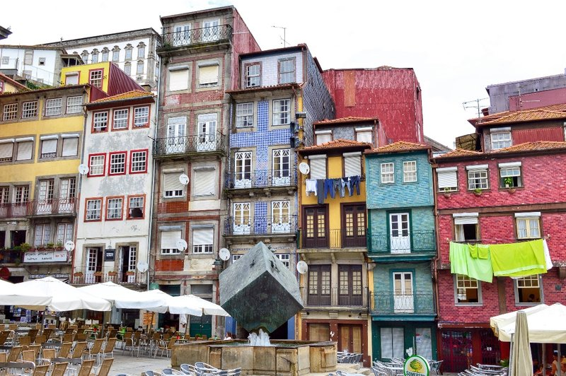 Colourful Ribeira square.