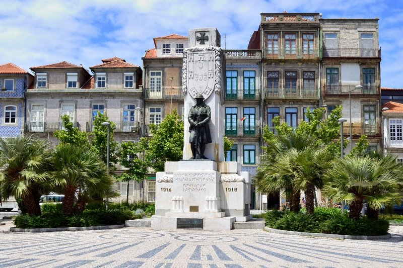 Monument to Portugal's fallen soldiers.