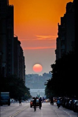 Manhattanhenge.jpg