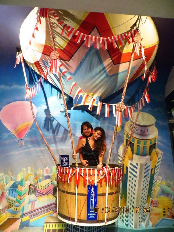large_sue_ed_hotairballoon.jpg
