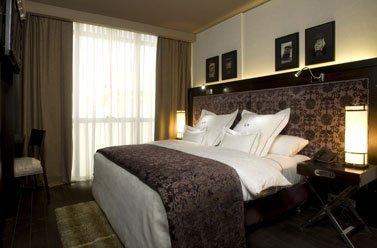 Lennox-Hot..uest-Room-7.jpg